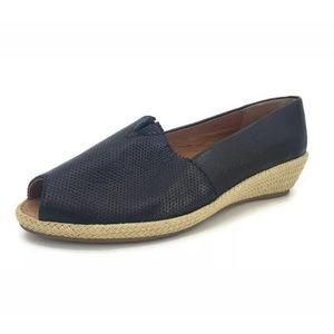 Gentle Souls by Kenneth Cole Luci A-Line 2 Shoes